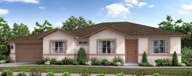 929 N Creekview Street, Porterville, CA 93257 (#205267) :: Martinez Team