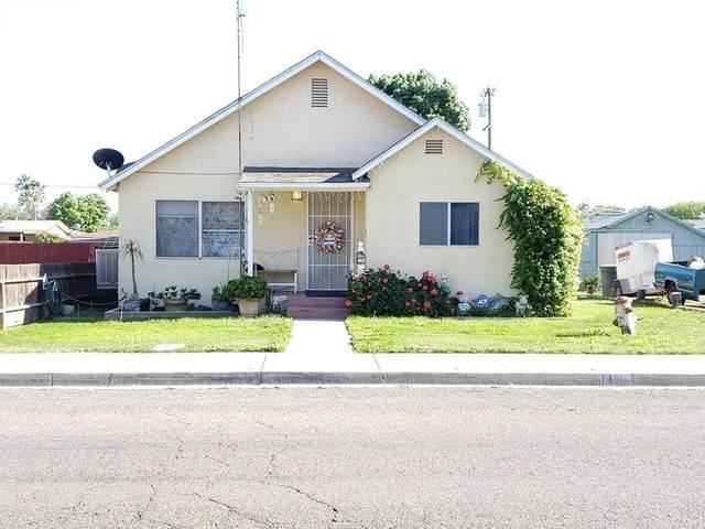 131 Magnolia Avenue, Lemoore, CA 93245 (#205300) :: Martinez Team