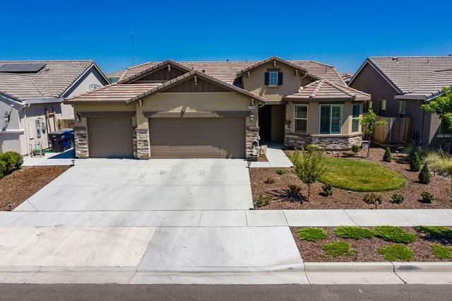 1088 W Blackbird Drive, Hanford, CA 93230 (#205333) :: The Jillian Bos Team