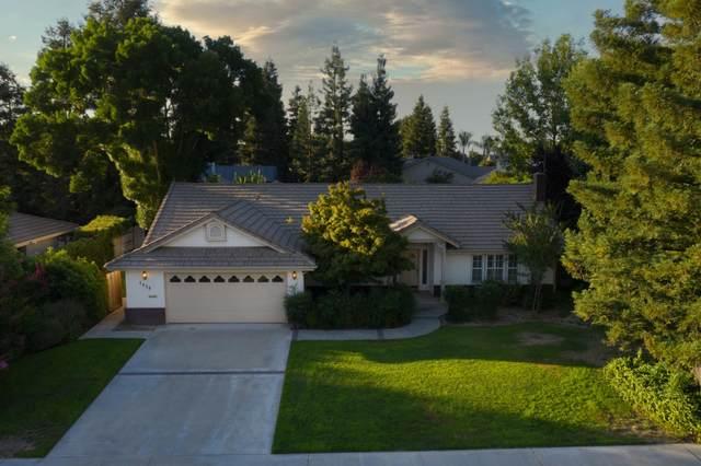 1438 E Feemster Avenue, Visalia, CA 93292 (#205343) :: The Jillian Bos Team