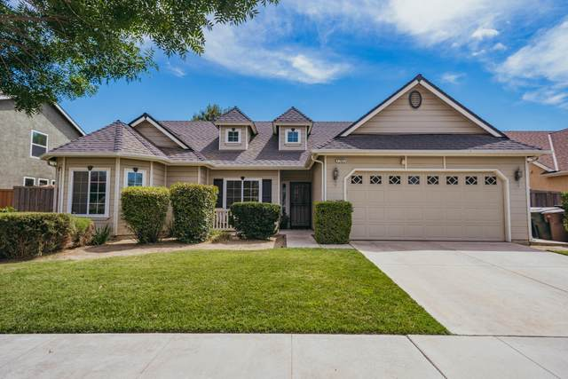 1751 Rosa Avenue, Tulare, CA 93274 (#205345) :: The Jillian Bos Team