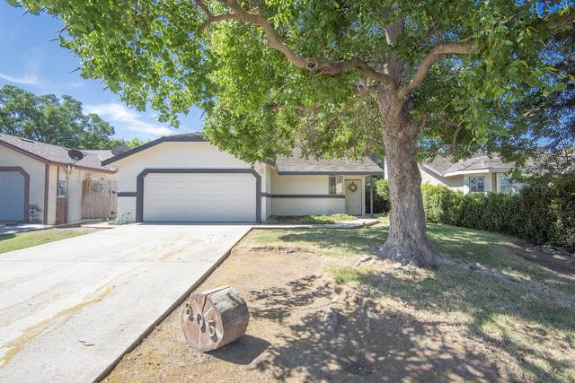 805 W Garrett Avenue, Farmersville, CA 93223 (#205346) :: Martinez Team