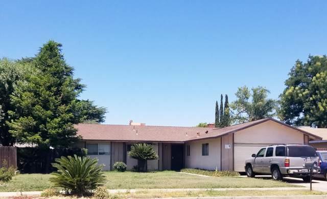 1362 E Birch Avenue, Tulare, CA 93274 (#205376) :: The Jillian Bos Team