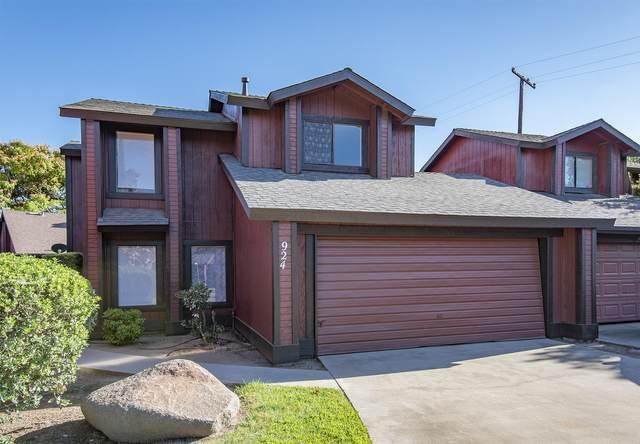 924 E Oakridge Avenue, Visalia, CA 93292 (#205378) :: Your Fresno Realty | RE/MAX Gold