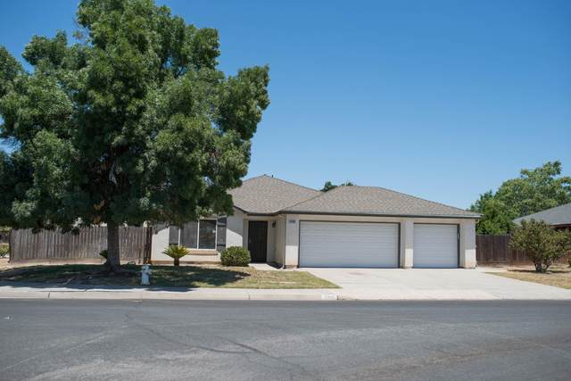 1300 Canyoncreek Street, Hanford, CA 93230 (#205408) :: Martinez Team