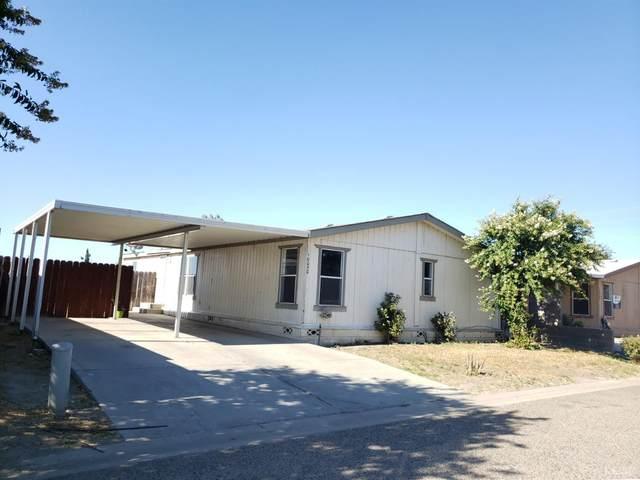 10050 Camino Ramon, Hanford, CA 93230 (#205878) :: The Jillian Bos Team
