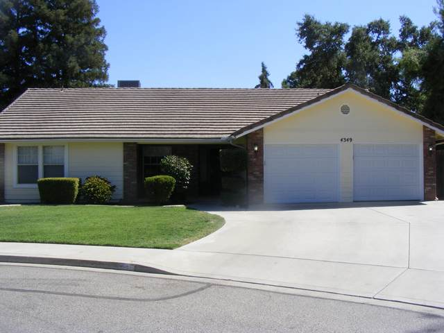 4349 W Hemlock Court, Visalia, CA 93277 (#206048) :: Martinez Team