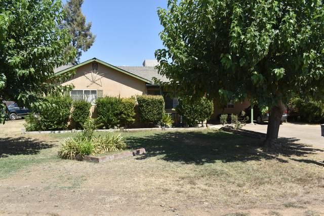 446 S Valencia Boulevard, Woodlake, CA 93286 (#206109) :: Martinez Team
