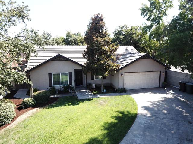 1315 E Vine Court, Visalia, CA 93292 (#206111) :: Martinez Team