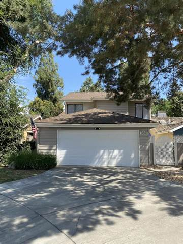 1624 E Castleview Avenue, Visalia, CA 93292 (#206219) :: Robyn Icenhower & Associates