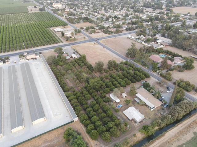 280 W Nebraska Avenue, Dinuba, CA 93618 (#206417) :: Martinez Team