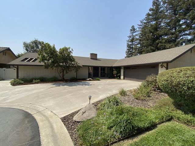 366 E Merritt Avenue, Tulare, CA 93274 (#206643) :: Martinez Team