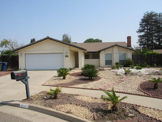 610 N Peralta Court, Tulare, CA 93274 (#206703) :: Martinez Team
