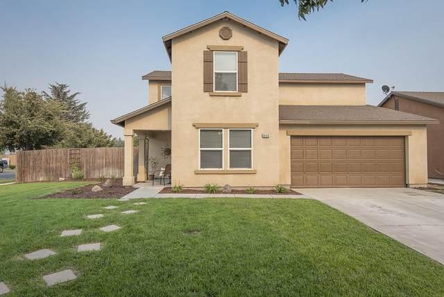 958 Warren St Street, Tulare, CA 93274 (#206749) :: Robyn Icenhower & Associates