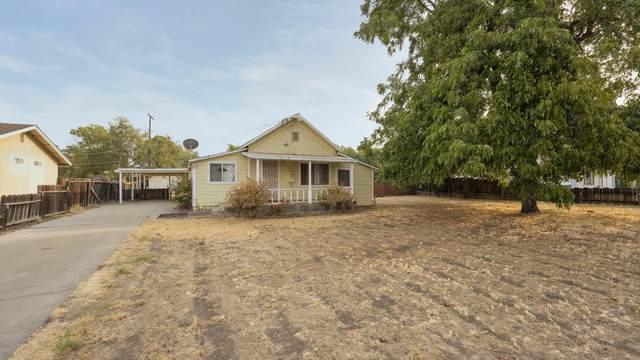 519 W Grand Avenue, Porterville, CA 93257 (#206770) :: Martinez Team