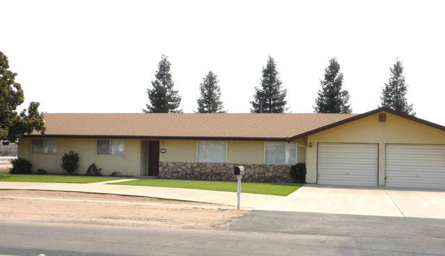 1131 E K Avenue, Visalia, CA 93292 (#206801) :: Martinez Team