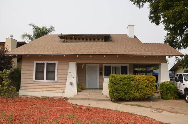 919 S Court Street, Visalia, CA 93277 (#206808) :: Robyn Icenhower & Associates