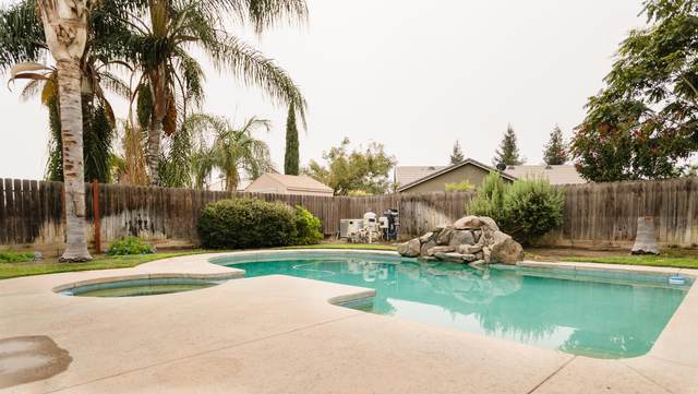 4001 E Cambridge Avenue, Visalia, CA 93292 (#206819) :: Martinez Team