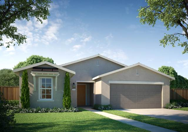 2216 Hough Avenue, Tulare, CA 93274 (#206822) :: Robyn Icenhower & Associates