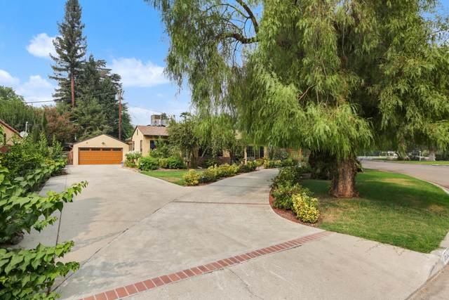 1612 W Beverly Drive, Visalia, CA 93277 (#206856) :: Martinez Team
