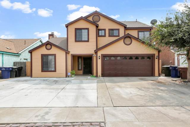 1855 W Omega Avenue, Tulare, CA 93274 (#206858) :: Martinez Team