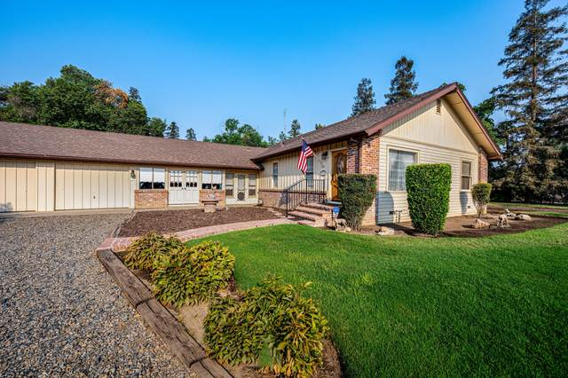 1327 S Pinkham Street, Visalia, CA 93292 (#206864) :: The Jillian Bos Team