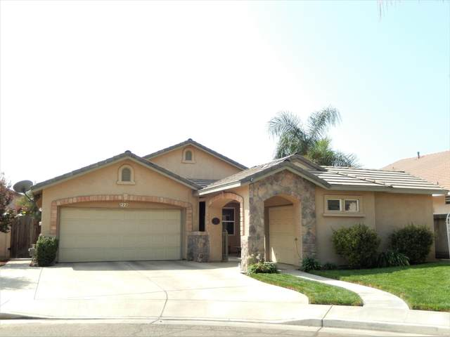 1227 E Copper Court, Visalia, CA 93292 (#206960) :: Martinez Team