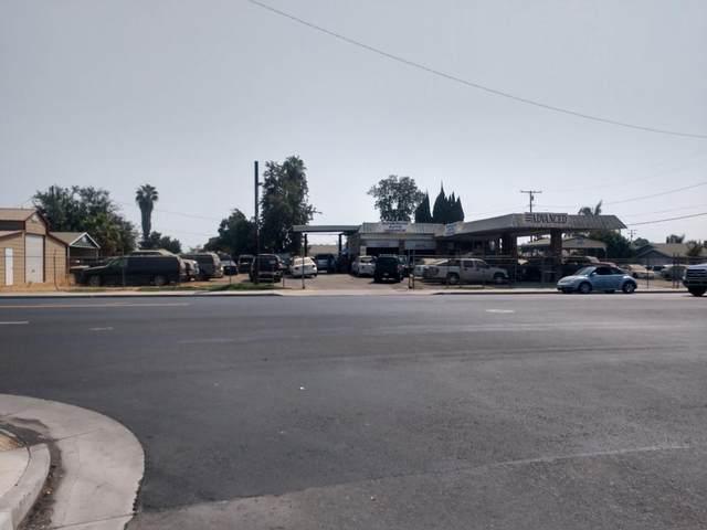 1105 W Inyo Avenue, Tulare, CA 93274 (#206977) :: The Jillian Bos Team