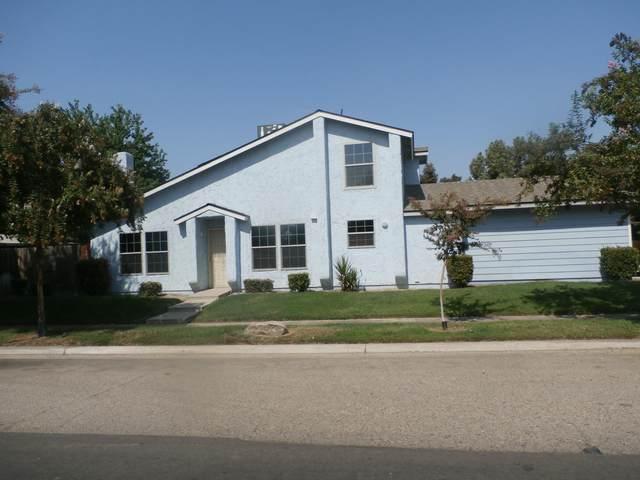 2311 N Cain Court, Visalia, CA 93292 (#207032) :: Robyn Icenhower & Associates