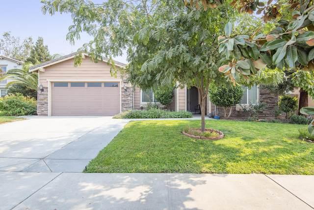 2748 N Crowe Street, Visalia, CA 93291 (#207043) :: Robyn Icenhower & Associates