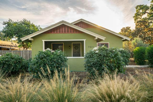 701 S Watson Street, Visalia, CA 93277 (#207050) :: The Jillian Bos Team