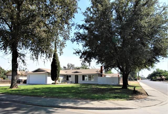 413 E Oakridge Court, Visalia, CA 93291 (#207054) :: Robyn Icenhower & Associates