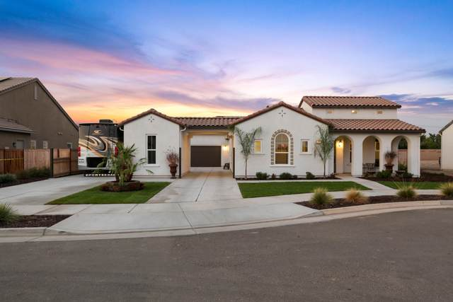 3510 W Lark Avenue, Visalia, CA 93291 (#207057) :: Robyn Icenhower & Associates