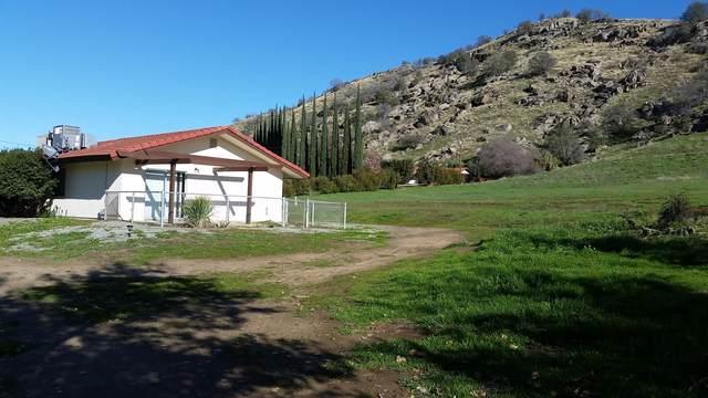 31204 Sierra Drive #1, Exeter, CA 93221 (#207332) :: The Jillian Bos Team