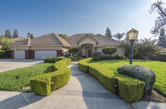 5246 Lakewood Drive, Visalia, CA 93291 (#207573) :: Robyn Icenhower & Associates