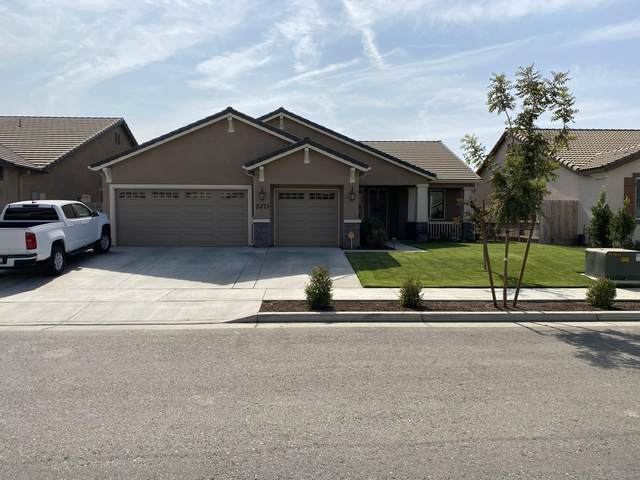 2273 Bay Hill Court, Tulare, CA 93274 (#207580) :: Martinez Team