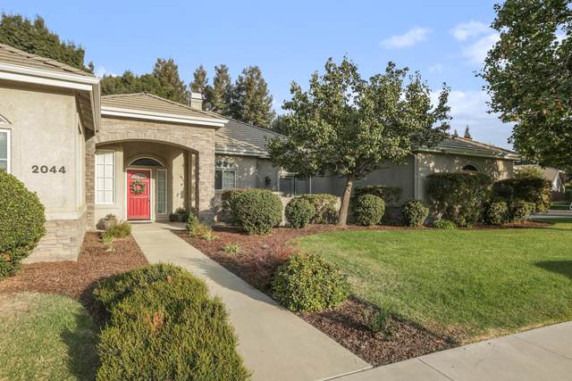 2044 N Peppertree Court, Visalia, CA 93291 (#207591) :: The Jillian Bos Team