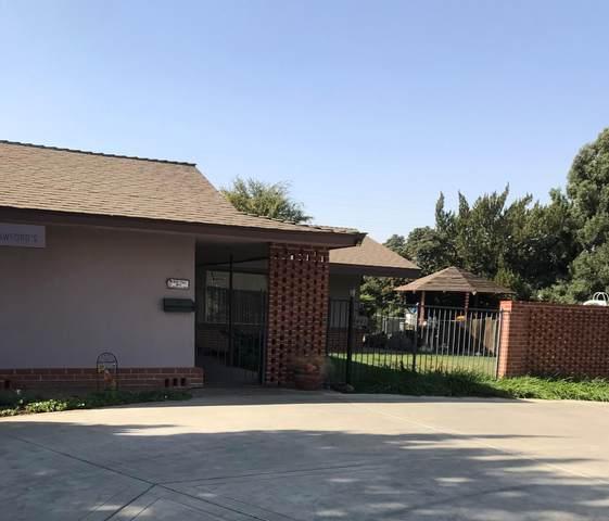 441 Lemona Street, Woodlake, CA 93286 (#207631) :: The Jillian Bos Team