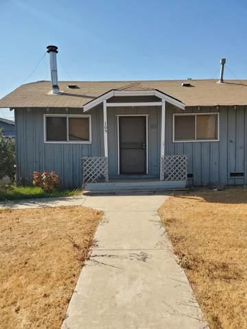 105 S Magnolia Street, Woodlake, CA 93286 (#207701) :: Robyn Icenhower & Associates