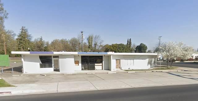 914 S Mooney Boulevard, Visalia, CA 93277 (#207792) :: The Jillian Bos Team