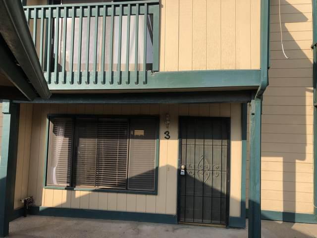 341 N Capitola Court #2, Porterville, CA 93257 (#207902) :: Martinez Team