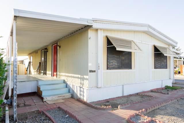 860 E Grangeville Boulevard #162, Hanford, CA 93230 (#207950) :: Martinez Team