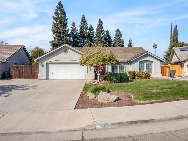 3907 S Vickie Court, Visalia, CA 93277 (#207960) :: Martinez Team