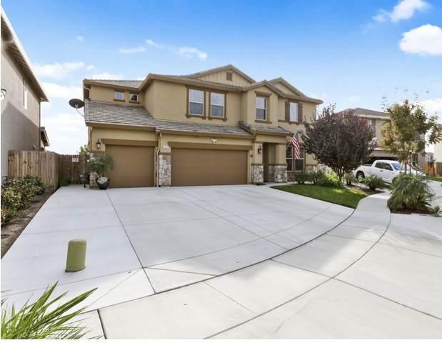 2875 Emerald Bay Court, Tulare, CA 93274 (#207975) :: Martinez Team