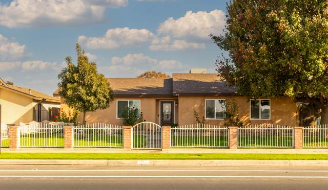 874 N West Street, Tulare, CA 93274 (#208015) :: The Jillian Bos Team