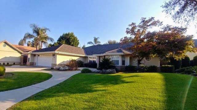 1543 E Paradise Avenue, Visalia, CA 93292 (#208132) :: Martinez Team