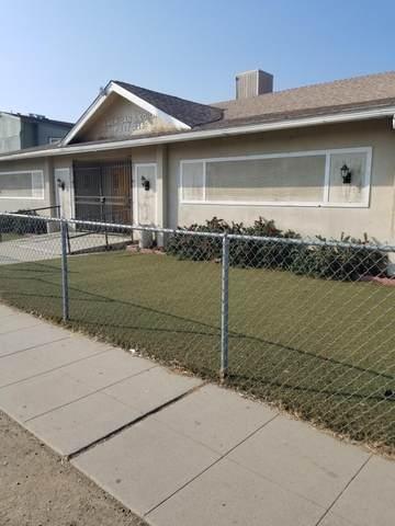 507 Center Street, Orange Cove, CA 93646 (#208135) :: Martinez Team