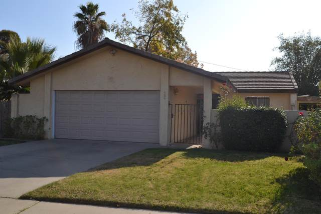 659 Village Green Street, Porterville, CA 93257 (#208200) :: The Jillian Bos Team