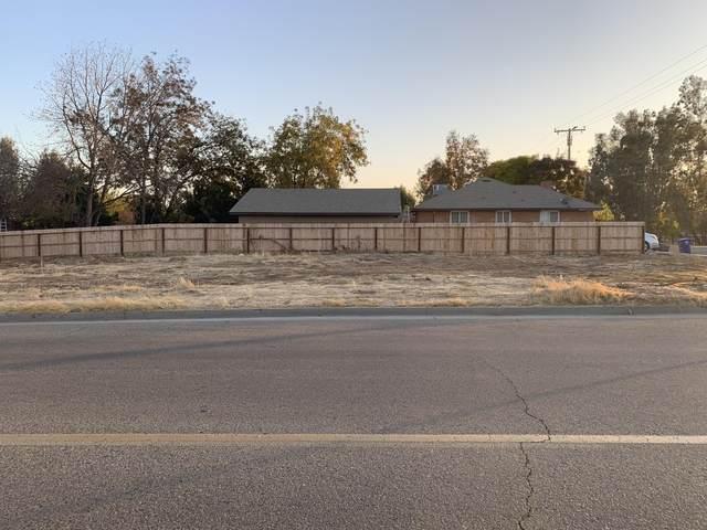 396 N Cypress Street, Woodlake, CA 93286 (#208204) :: The Jillian Bos Team