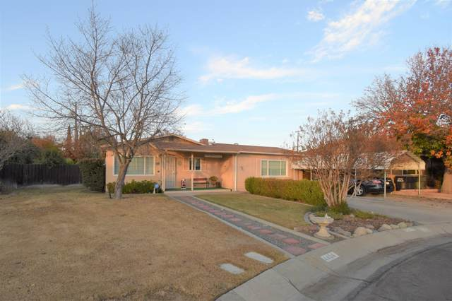 4404 W Monte Vista Avenue, Visalia, CA 93277 (#208320) :: The Jillian Bos Team